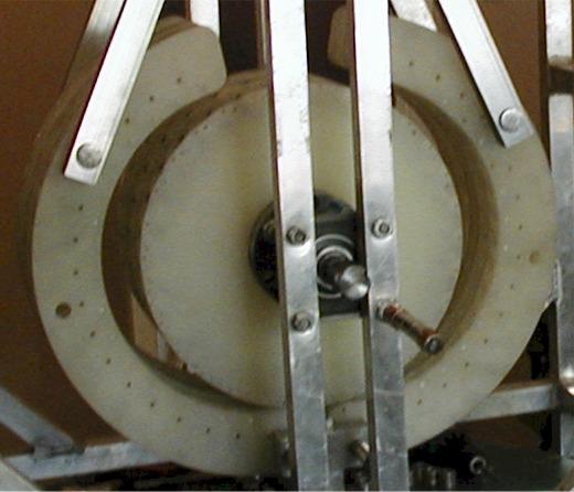 24171ee7d69 O motor magnético PERENDEV primeiro foi construído por Mike Brady em 1969.  Não era um motor muito poderoso