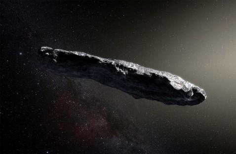 """O estranho objeto interestelar 'Oumuamua, que passou pelo Sistema Solar interno recentemente pode ser uma espaçonave alienígena com vela solar, sugere um novo estudo. """"Uma origem artificial explicaria muito bem as diversas características estranhas desse visitante cósmico conhecido como 'Oumuamua"""","""